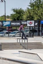 Front feeble from Lucas Alves.