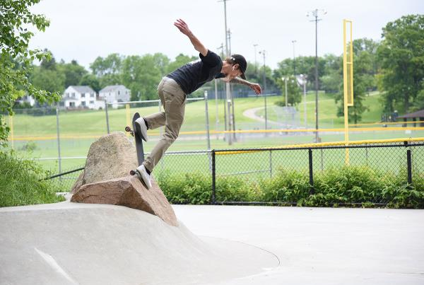 GFL at Ann Arbor - Back Blunt.