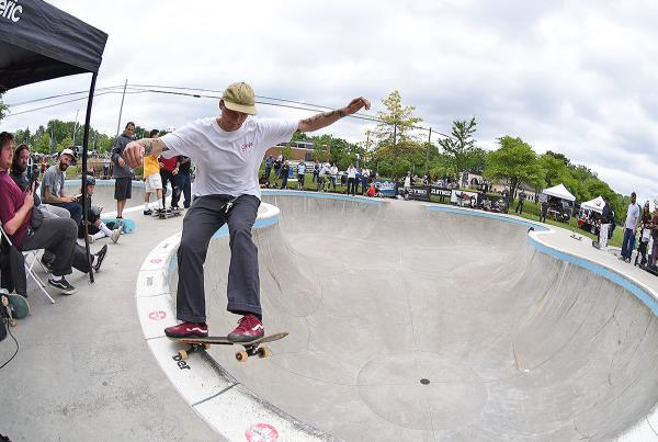 GFL at Ann Arbor - Frontside Grind.