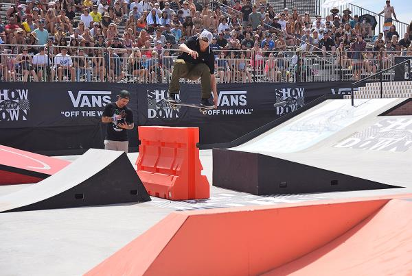 Vans Showdown 2019 - Tail Grab.