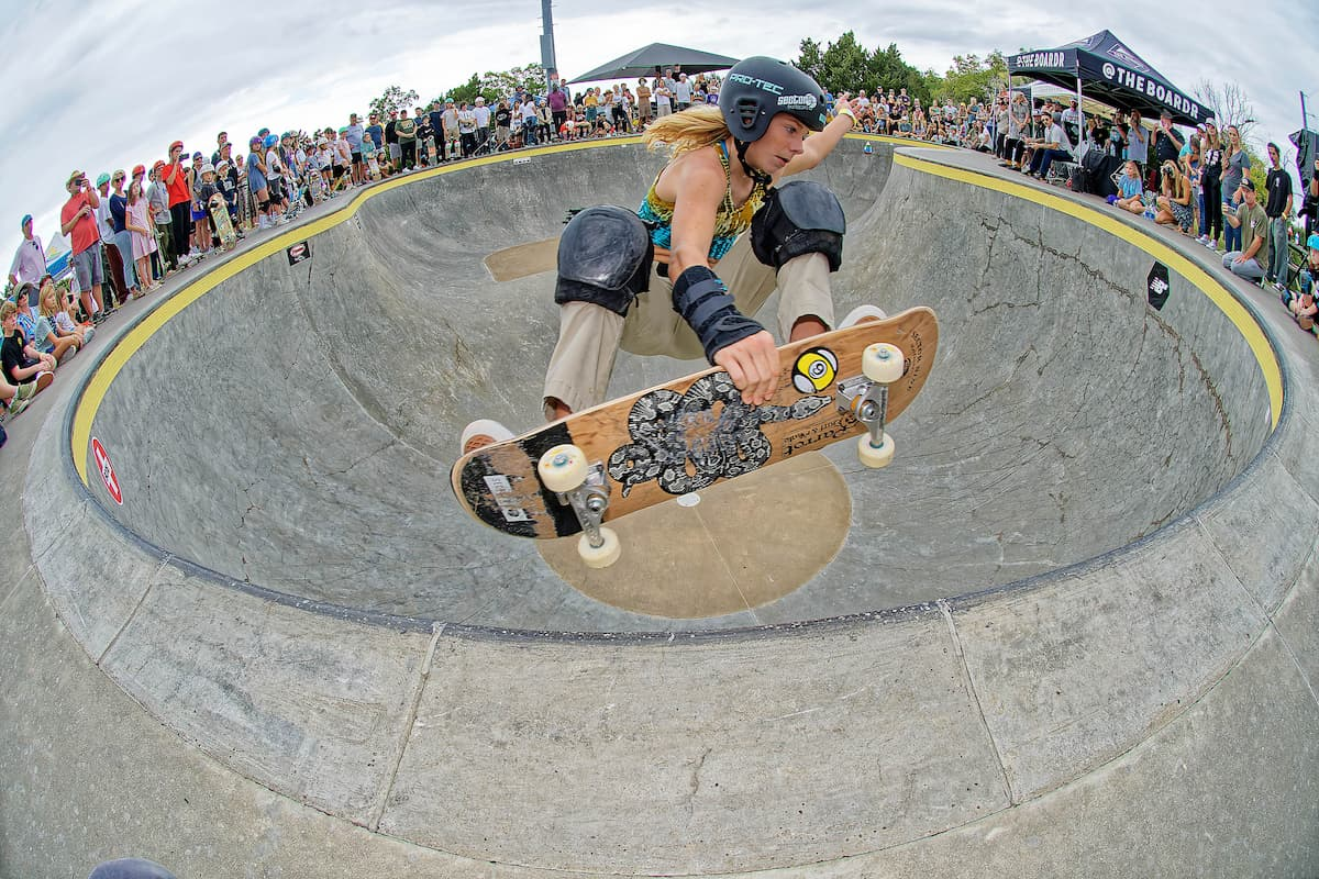 GFL Series at Charleston - Frontside Air in a Packed Bowl