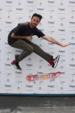 HiDefJoe has a fantastic fake 360 flip.