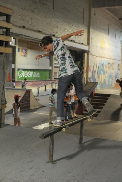 Tyler Thomas Backside Noseblunt Slide