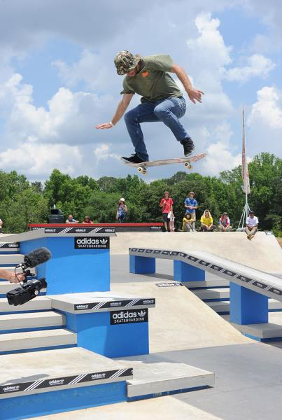 Dalton Oklesson Late Shuvit at Skate Copa Atlanta