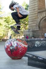 Vern's about to stomp the bolts on this pop shuv over the apple.