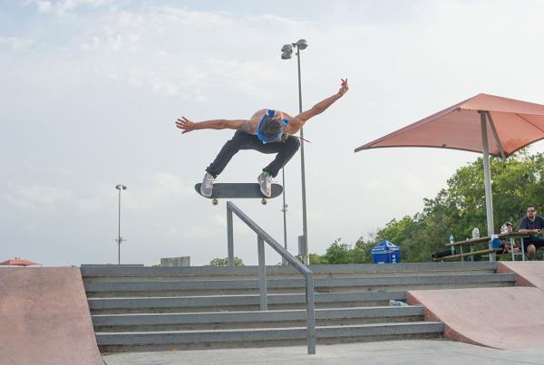 Jereme Knibbs Ollie Over the Rail