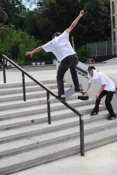Brett Heinis Frontside Bluntslide at Skate Copa Austin