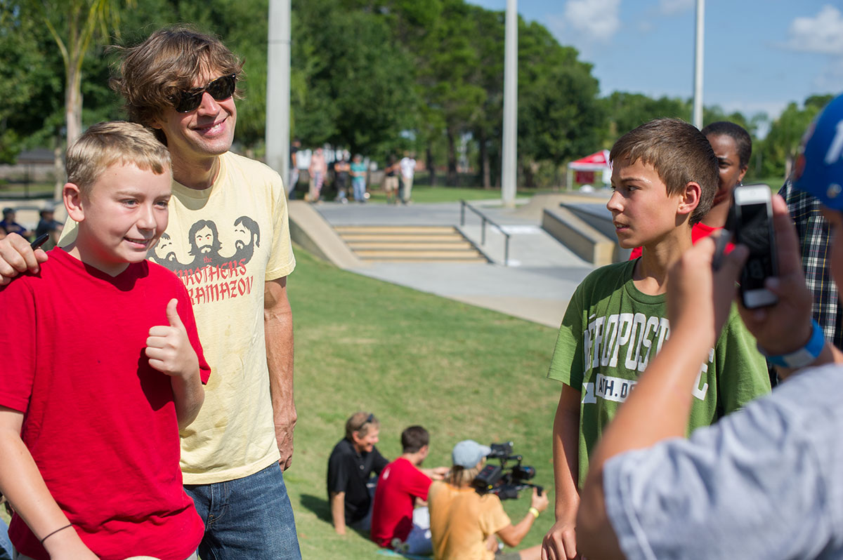 Pose with Rodney Mullen at Innoskate