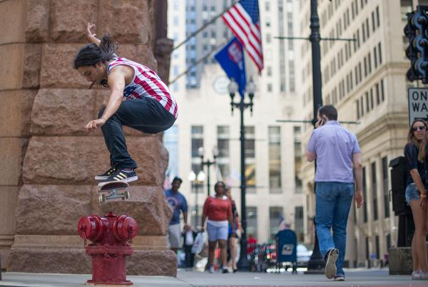 Porpe Switch Ollies a Fire Hydrant in Chicago