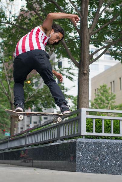 Porpe Frontside Noseslide in Chicago