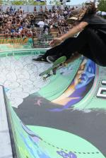 Cody is one of my new favorite bowl skaters after this weekend. Frontside frip meron!
