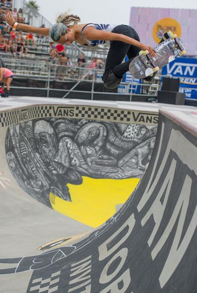 Lizzie Armanto Backside Air at Van Doren Invitational