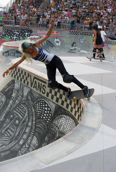 Lizzie Armanto Feeble Fakie at Van Doren Invitational