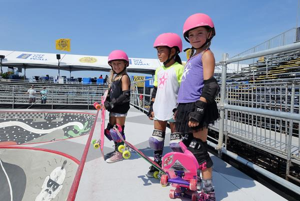 Pink Helmet Posse at Van Doren Invitational