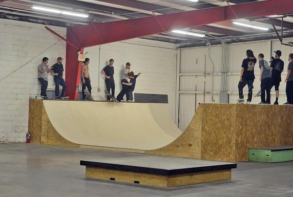 The First Mini Ramp Session at The Boardr Overview
