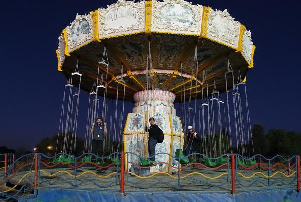 Carnival Swings at Kimberley Diamond Cup