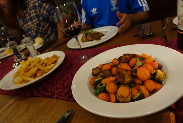Dinner at the Kimberley Club at Kimberley Diamond Cup 2014