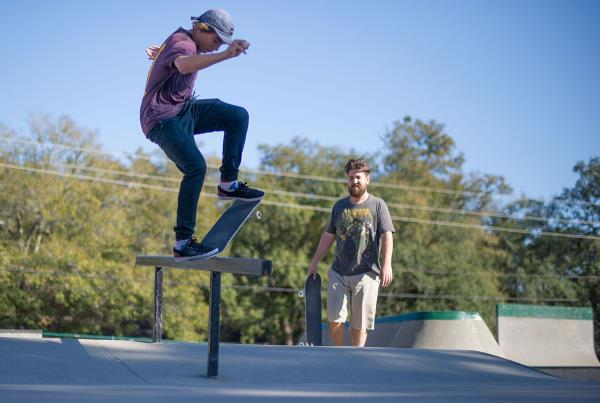 Tyler Frontside Nosegrinds in Milton