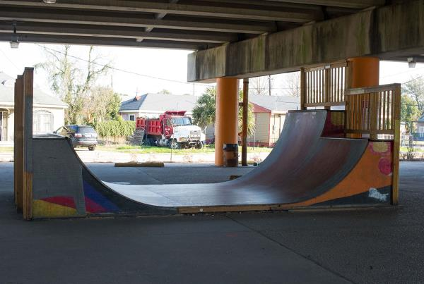 Mini-Ramp at Parisite
