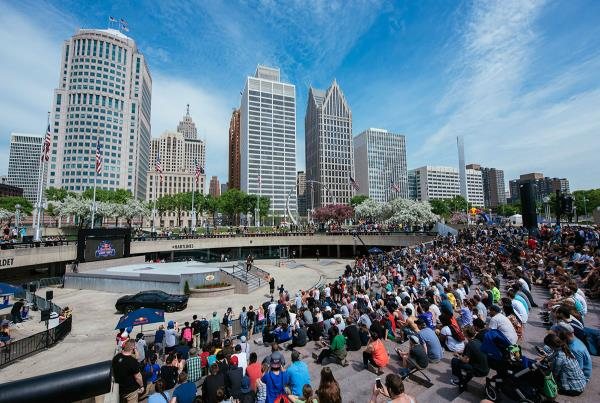 The Crowd at Hart Lines Detroit 2015