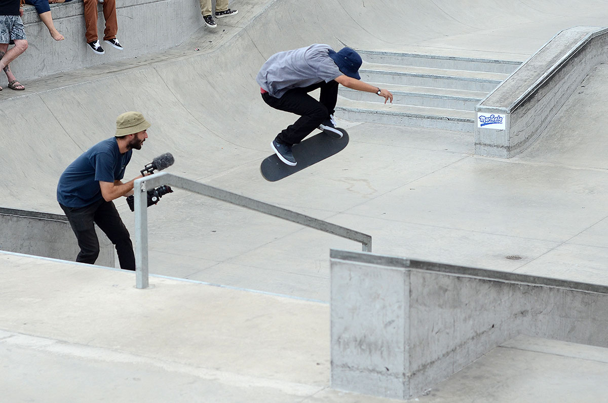 Enzo Hardflips the Rail at The Boardr Am at Las Vegas