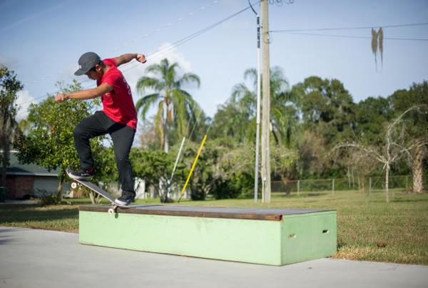 Uncle Sam Fakie 5-0 Switch 180 to Forward