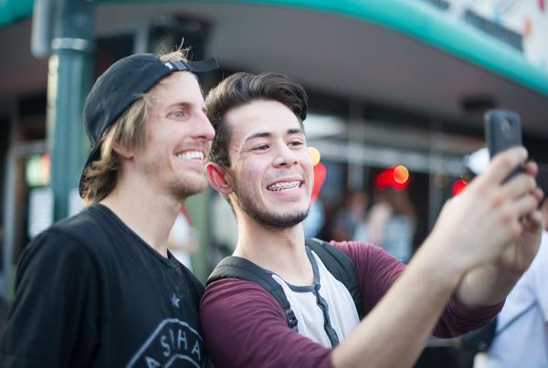 Selfies with Jaws at Zappos Rideshop 2015
