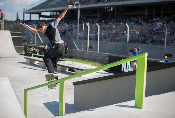 Yoshi Smith Grinds at The Boardr Am Series Finals at X Games 2015