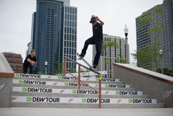 Louie Lopez Frontside Noegrind at Dew Tour Chicago