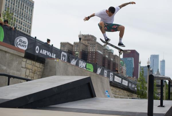 Cody McEntire Backside Flip at Dew Tour Chicago