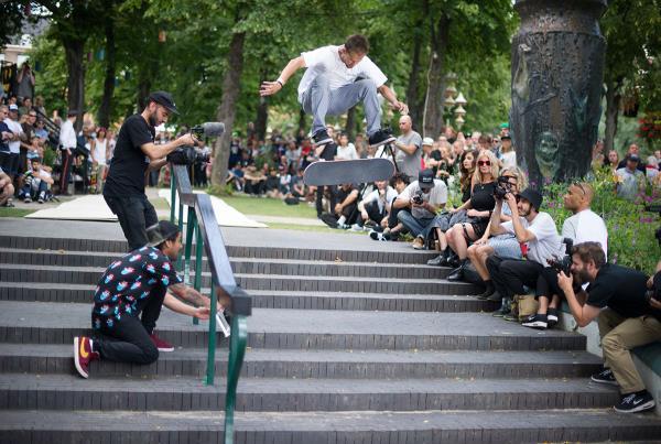 Alex Frontside Flips Tivoli at Copenhagen Open 2015
