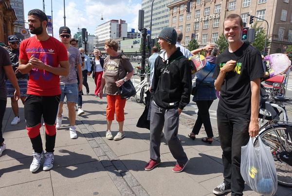 Shoestring Skateboard Manpurse at Tivoli at Copenhagen Open 2015