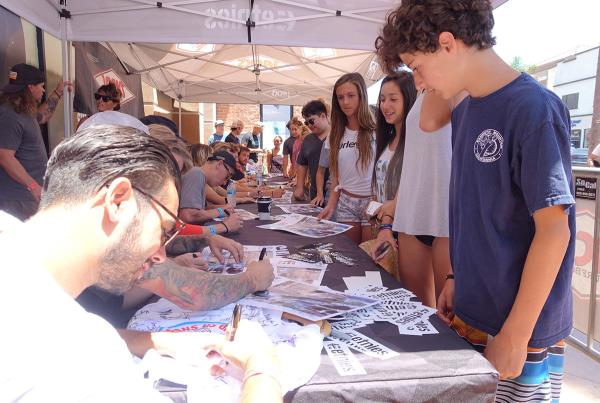 Signing at Van Doren Invitational Huntington 2015