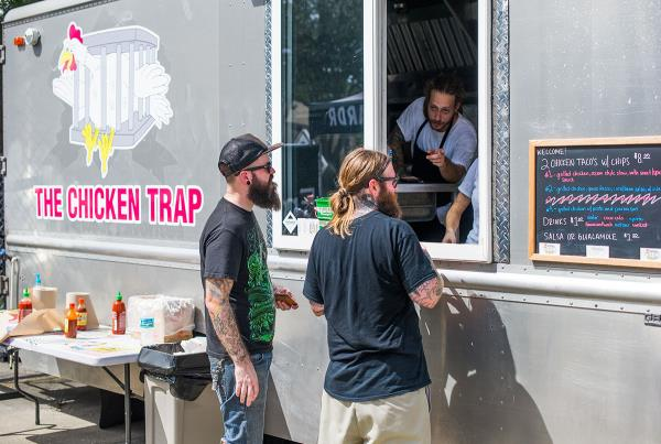 Dave's Chicken Trap Truck at Southbound and Down