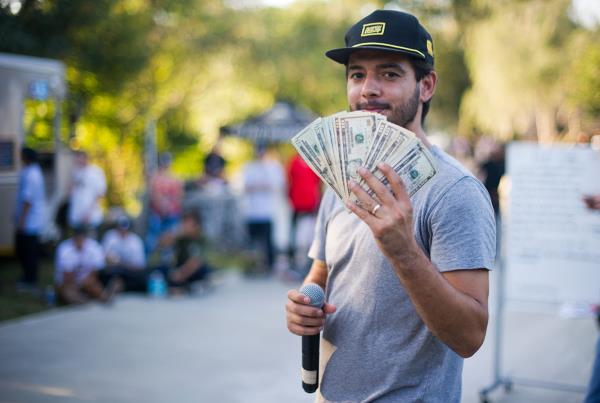 Bonus Money at The Boardr BBQ at the Dream_Driveway