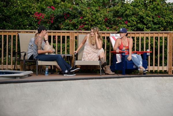 Deck Chill at The Boardr BBQ at the Dream_Driveway