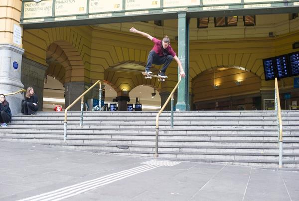 Vans Pro Skate Park Series Melbourne - Gold Rail