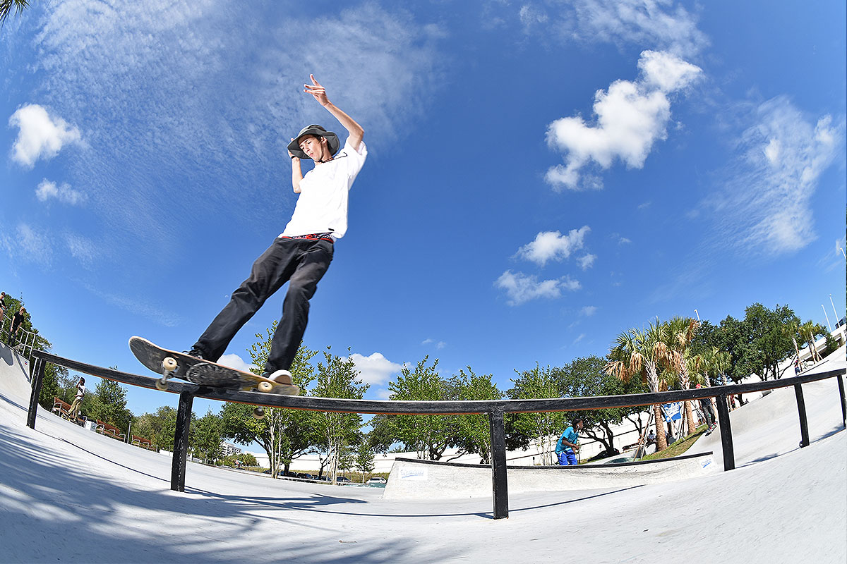 The Boardr Am at Tampa - Front Feeble