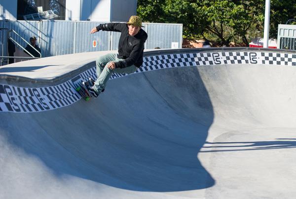 Vans Pro Skate Park Series Florianopolis - Holmes Carves