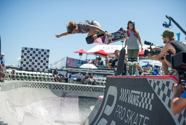 Vans Pro Skate Park Series at Huntington - Backside Air