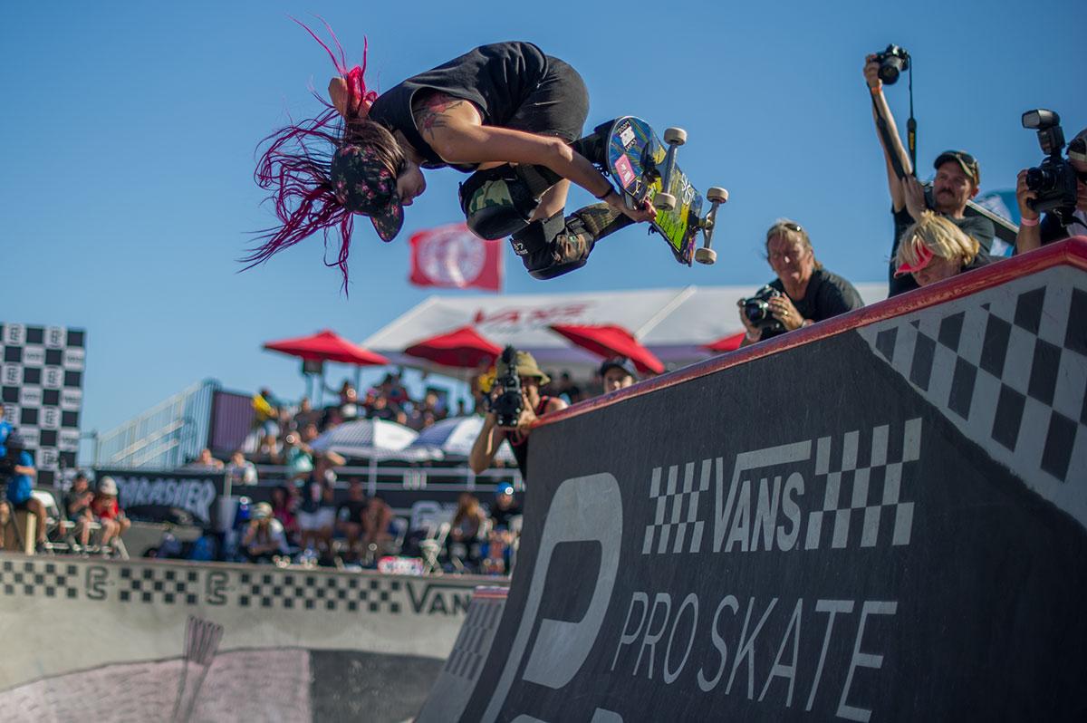 Vans Pro Skate Park Series at Huntington - Backside Mute
