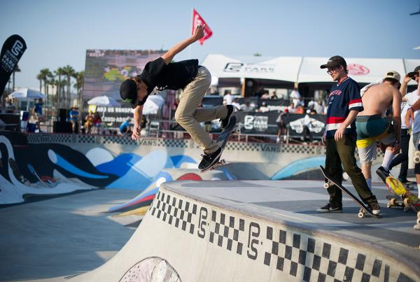 Vans Pro Skate Park Series at Huntington - Back D