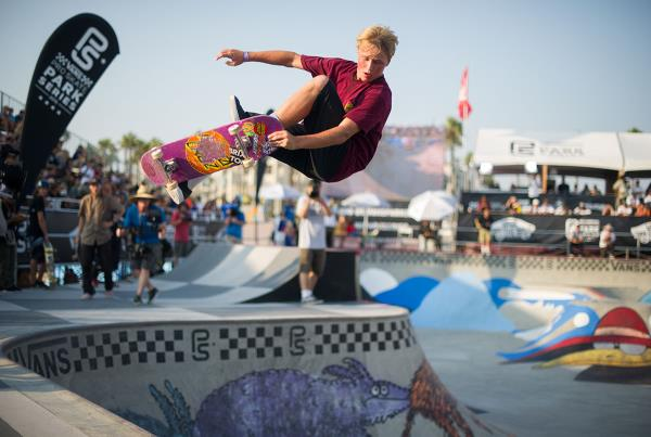 Vans Pro Skate Park Series at Huntington - Lein Air