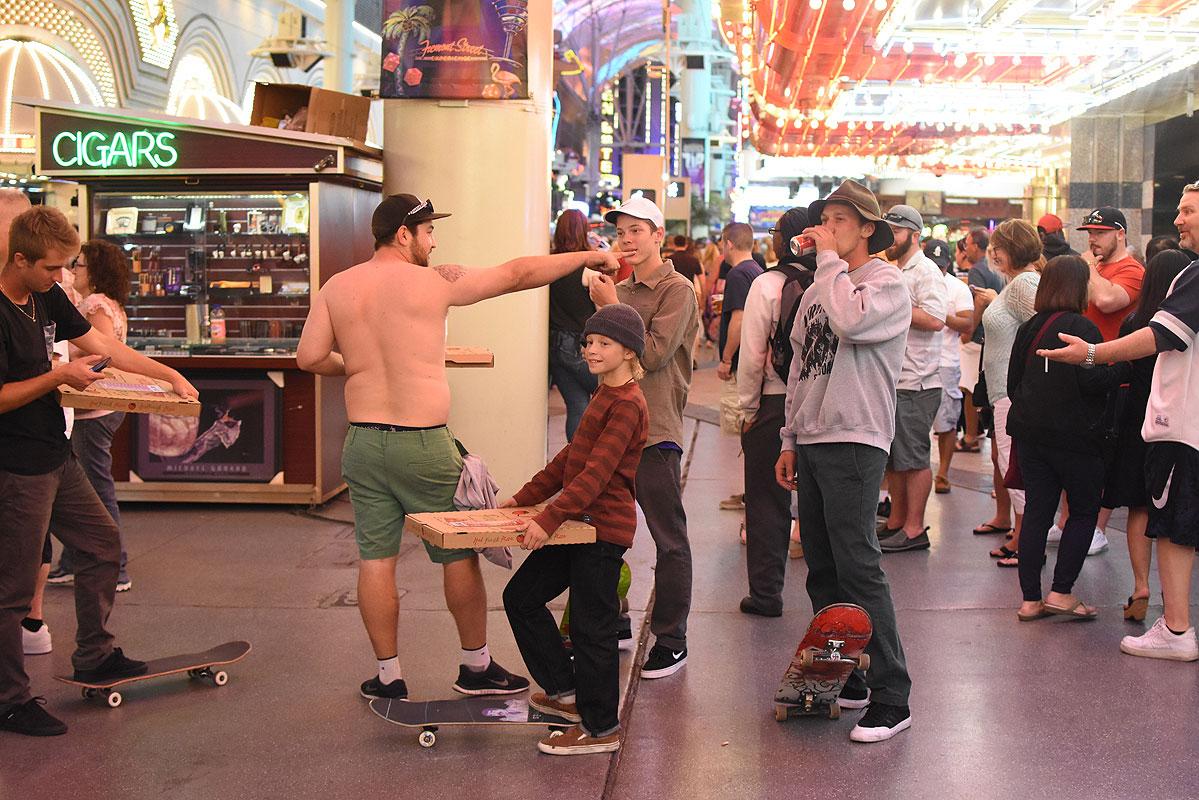 Boardr Boys Day Off in Vegas - Pizza from CJ