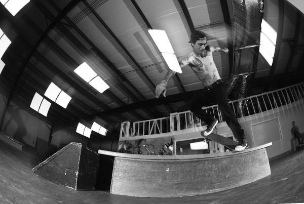 Friday at HQ - Wallie Backside Noseblunt Slide