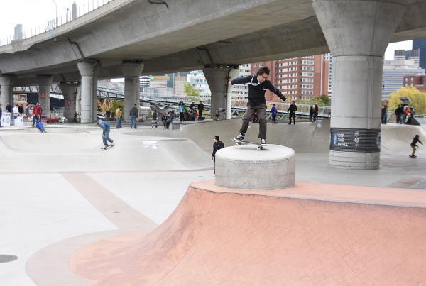 Innoskate Skateboarding at MIT - Nose Manny