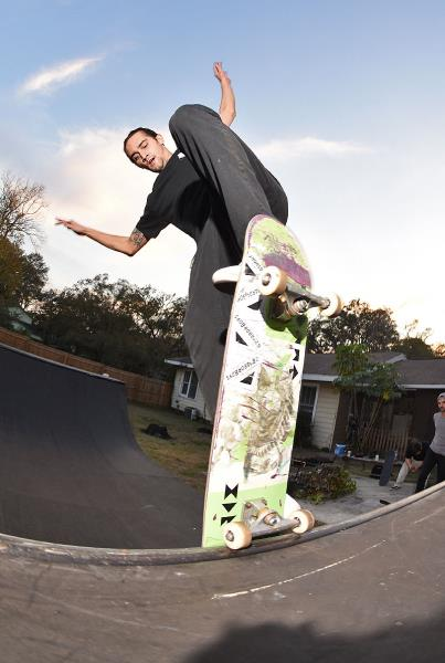 Big Weekend in Tampa for Tim - Derrick's Ramp Blunt Fakie