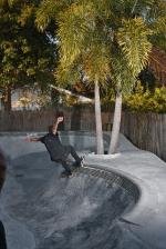 Now we're at the #BagelBowl, another #SHMF backyard spot that grew out of this nice little neighborhood we all live in. Casey getting into the hardest corner of the bowl here.