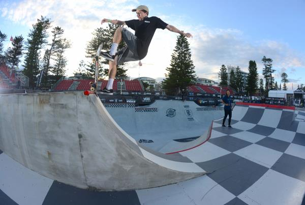 Vans Park Series Australia - Angus Front Blunt