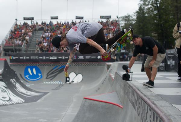 Vans Park Series Australia - Kevin Backside Air